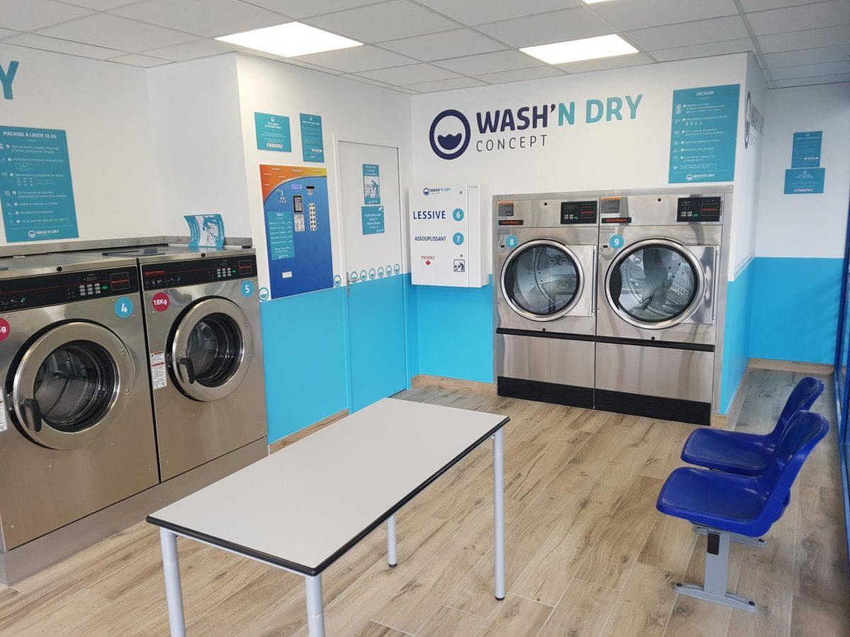 WASH'N DRY équipe les laveries libre-service avec des machines à laver et sèche-linge Speed Queen, LG et central de paiement LM contrôle