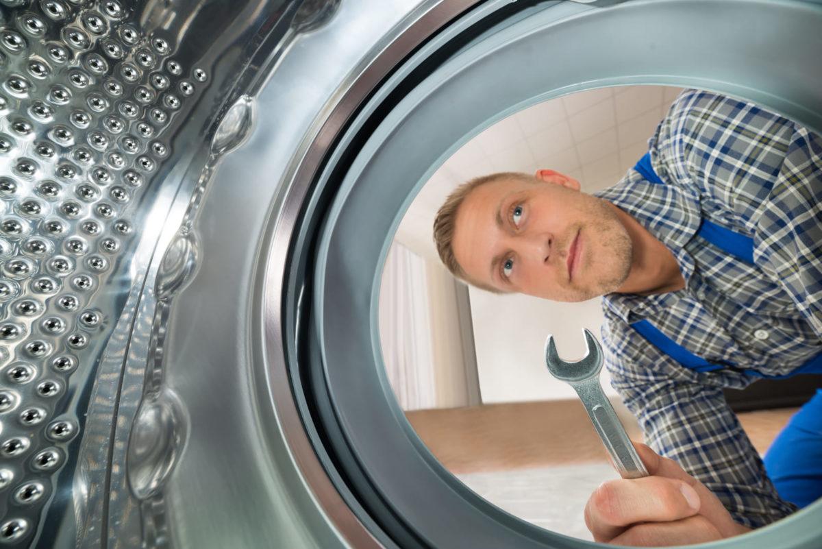 il est primordial que les équipements soient raccordés par des professionnels chevronnés de Wash'N Dry avec Armstrong France