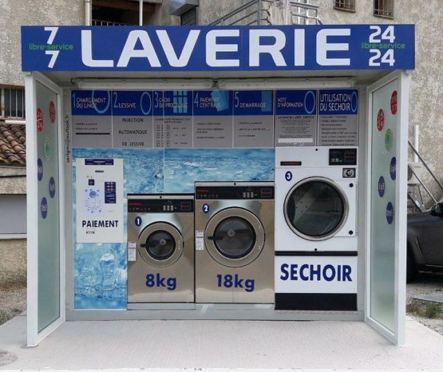 WASH'N DRY propose des laveries automatiques en version kiosque adaptée aux zones commerciales et stations de lavage