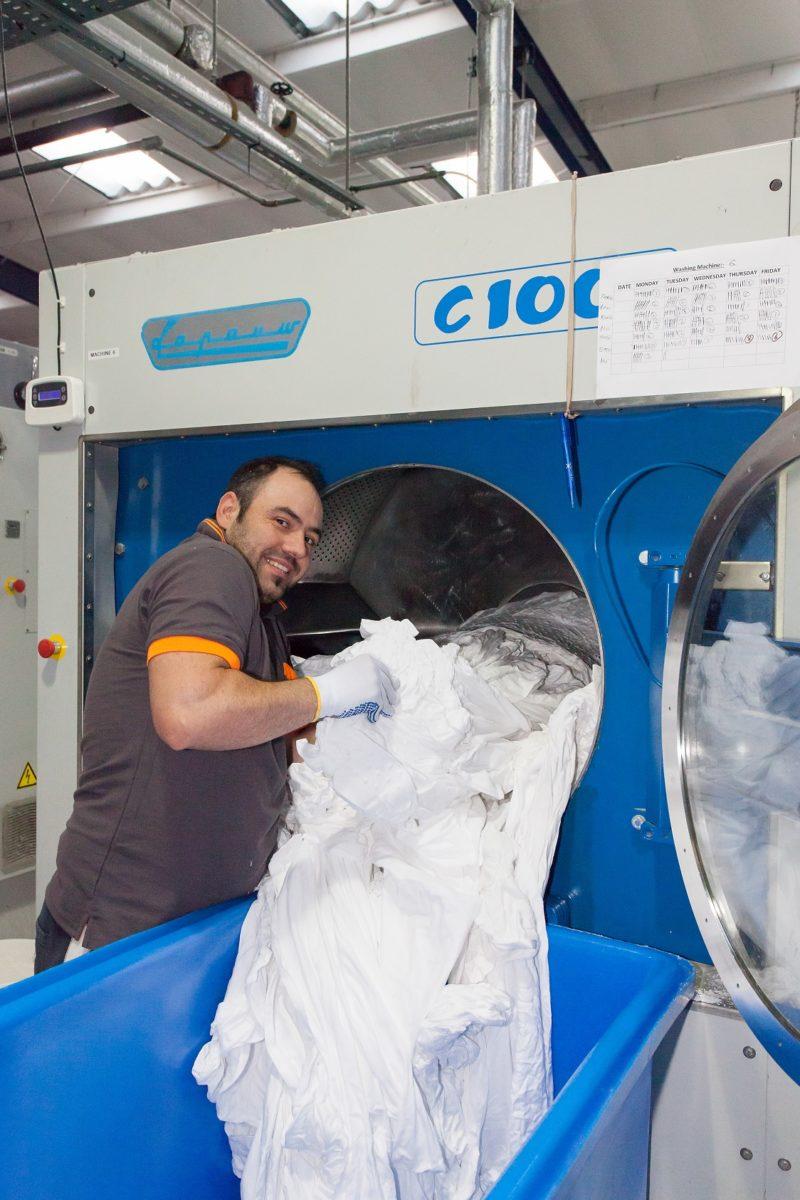 Armstrong France est le partenaire idéal pour la réalisation de votre blanchisserie en hopitaux