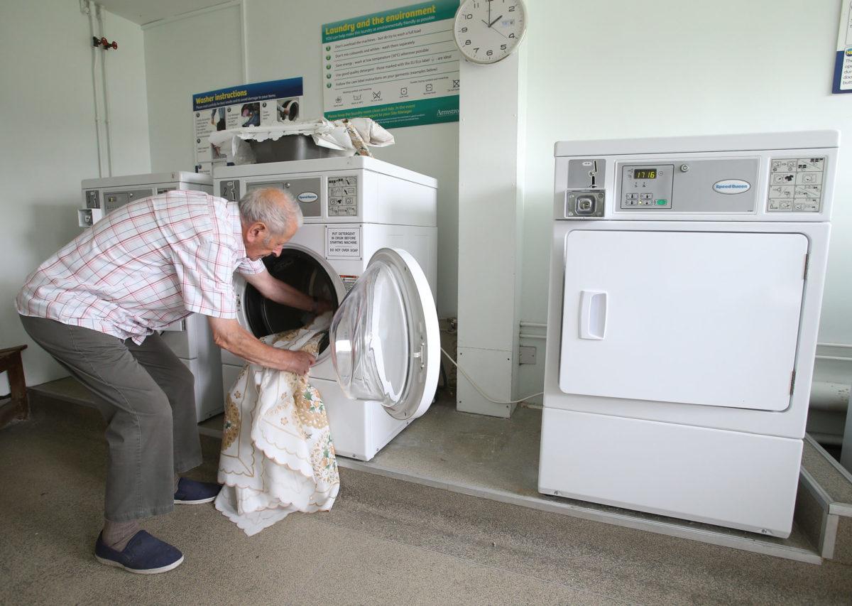 vente ou location de matériel de blanchisserie dans les collectivités publics ou privés. Possibilité de mise à disposition gratuite