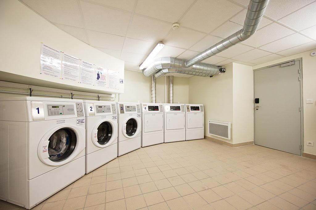 mise à disposition gratuite de machine à laver et sèche-linge avec monnayeur ou central de paiement
