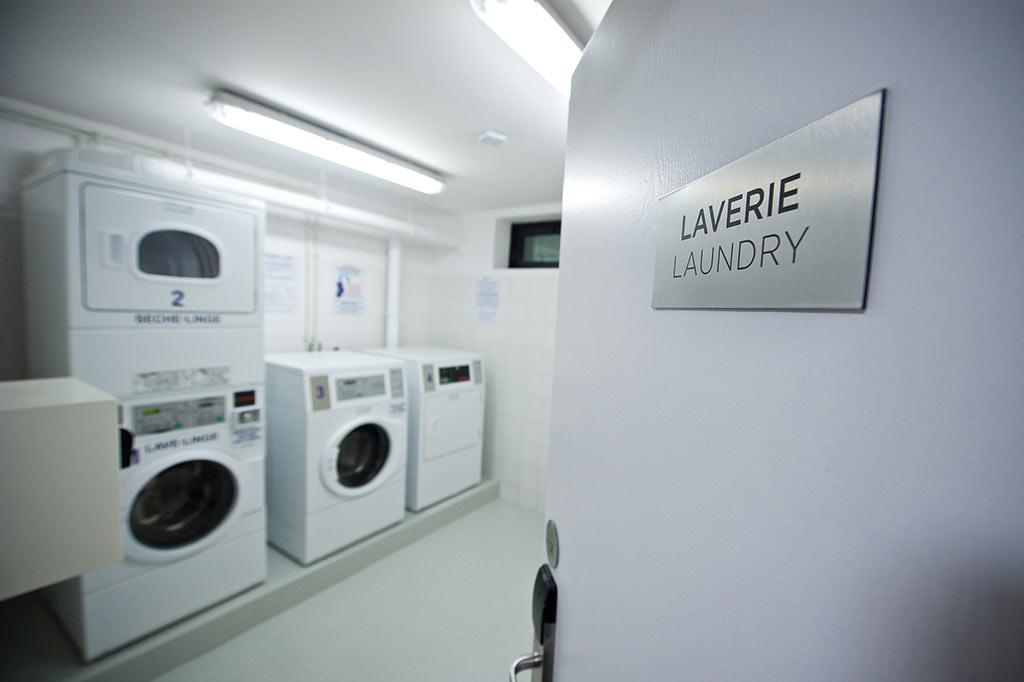 Laverie dans appart'hôtel, résidence hôtelière et village de vacances pour une clientèle de vacanciers, travailleur en mission longue durée, personnel de chantier