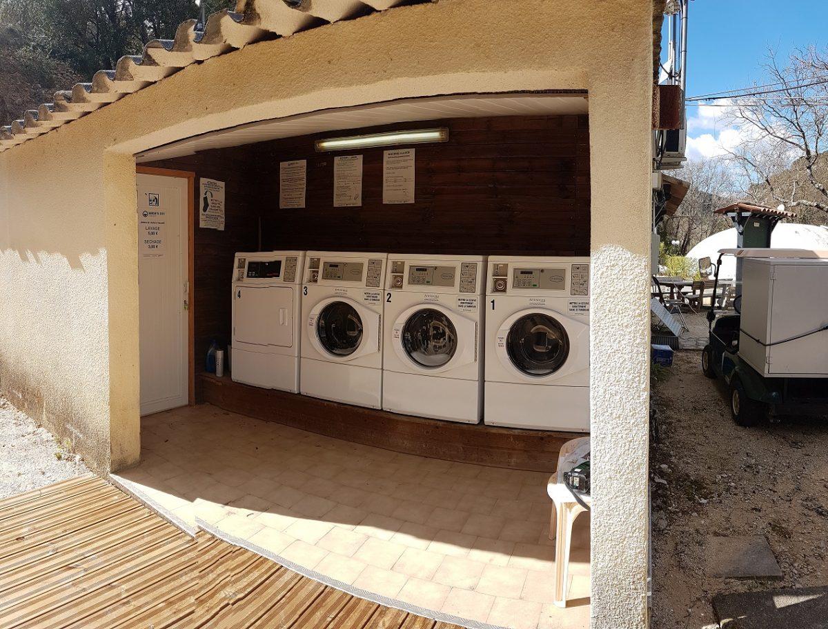 laverie camping et résidence de plein air pour une clientèle de touristes - laverie gérée par Armstrong France